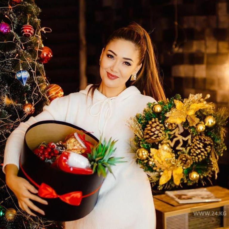 западной анжелика кыргызка певица фото личном фронте