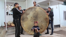 Житель Куляба создал самую большую дойру в мире