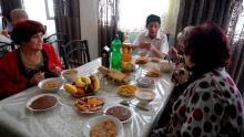Таджикские активисты встретили Навруз в доме престарелых