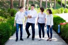 Дети чемпиона: как и чем живет семья Дильшода Назарова?