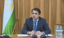 Рустам Эмомали проверил обращения родственников изнасилованной девочки из Турсунзаде