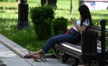 Власти Москвы назвали сумму штрафа за отдых на скамейках до 20 июня